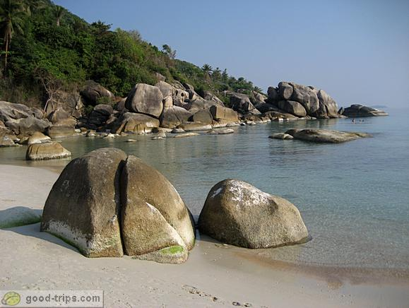 Left side of the bay at Thongtakian Beach