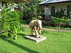 Promtsuk Buri - Resort - Elephant statue in the resort